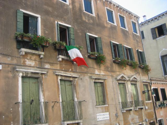 Venezia 12 settembre: Tricolori in risposta al raduno della Lega Nord