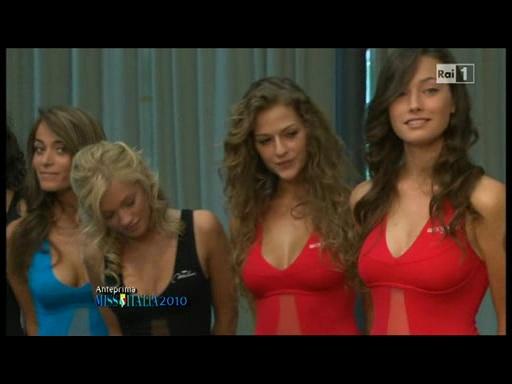 Elisa Spina (Foto tratta da Anteprima Miss Italia, Raiuno)
