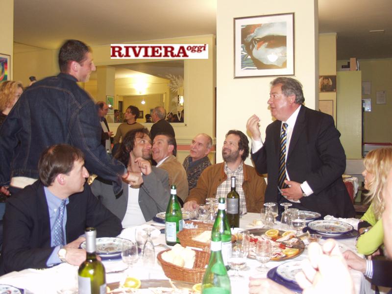 Aprile 2002, ristorante