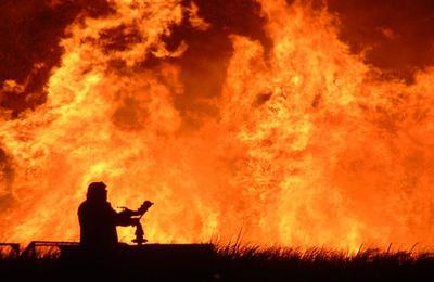 Un incendio (foto Google)