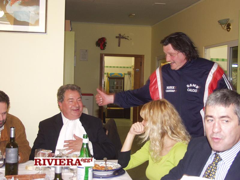 Aprile 2002, ristorante Il Gambero: Gaucci, il tifoso Scintilla, Elisabetta Tulliani, il d.s. Angellozzi