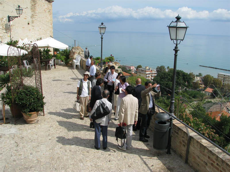 La delegazione in visita a Grottammare