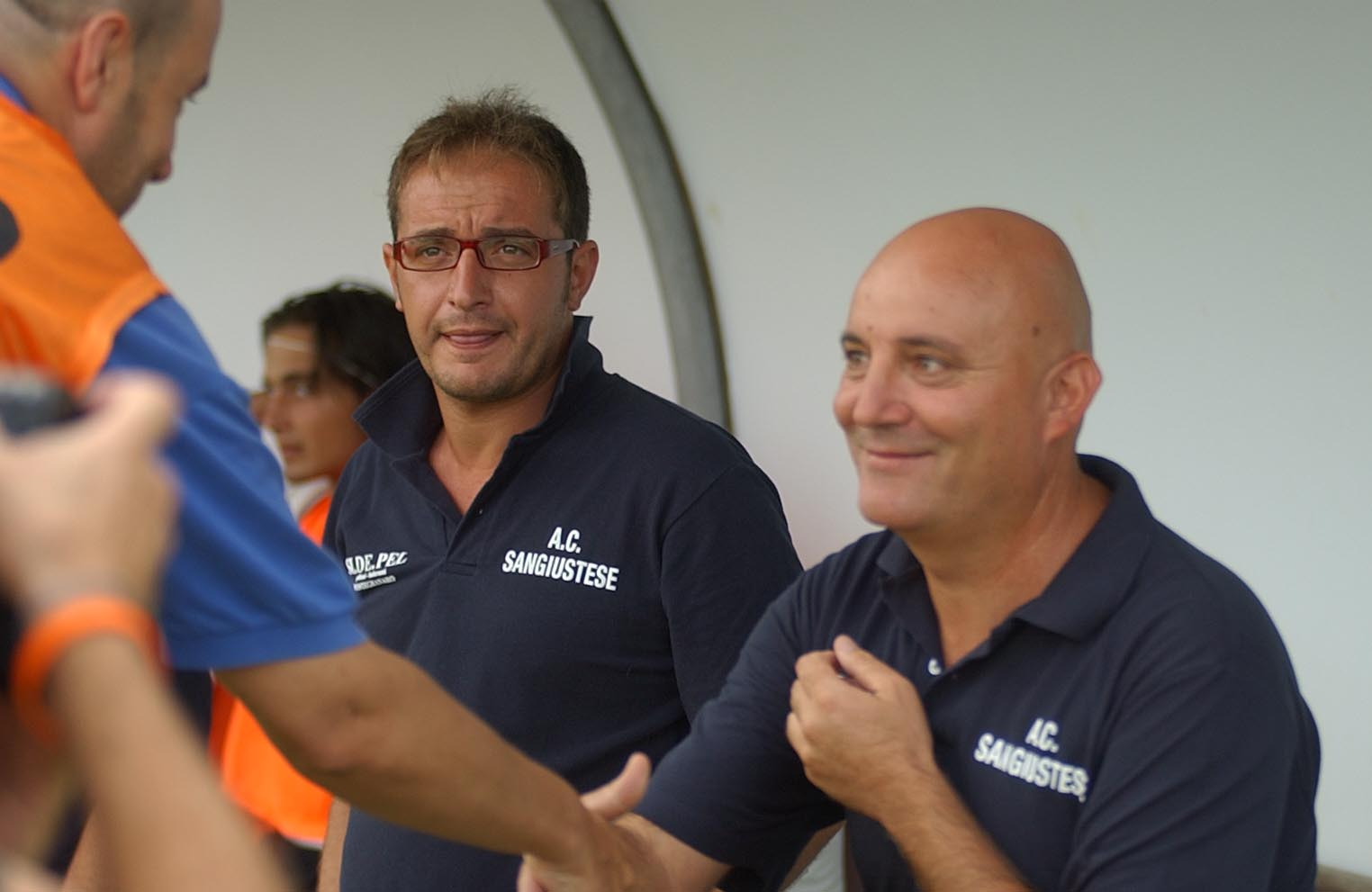 Tiziano Giudici saluta un suo ex giocatore contro la Samb