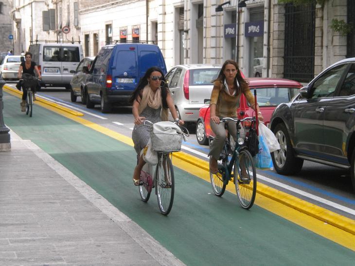 La pista ciclabile di Corso Vittorio Emanuele