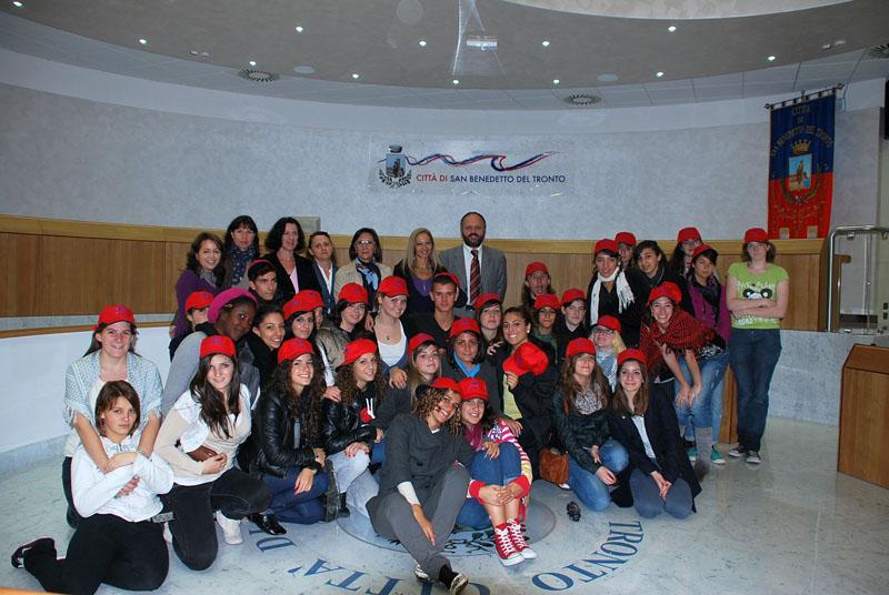 La visita degli studenti di Bordeaux al Comune di San Benedetto