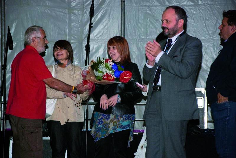 Roberto Silvestri omaggia le figlie di Gino Mazzola