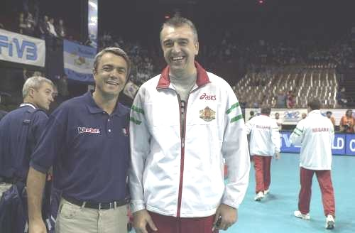 A destra l'allenatore Assen Galabinov