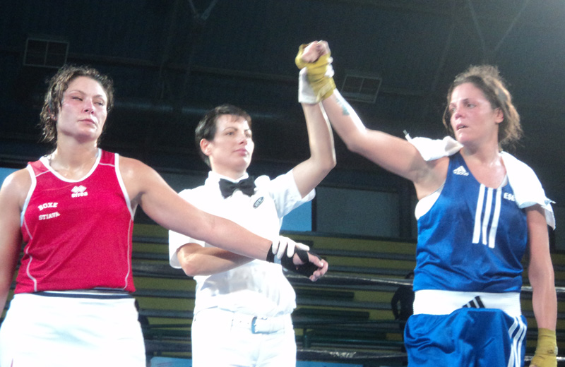 Boxe femminile, categoria 75 kg: a sinistra Anna Lisa Ghilardi e a destra la vincitrice Patrizia Pilo