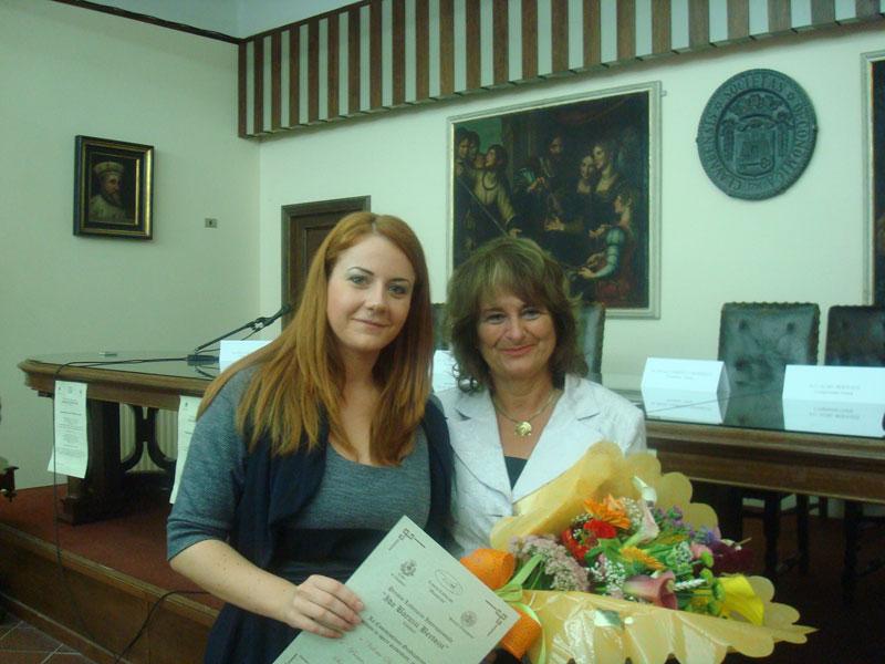 Valeria Di Felice con la presidente di giuria l'onorevole Gabriella Mondello