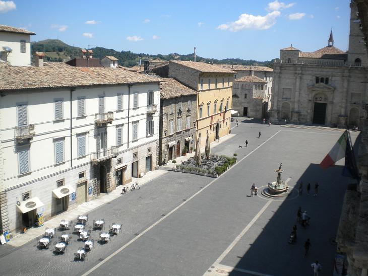 Ascoli Piceno - Piazza Arringo