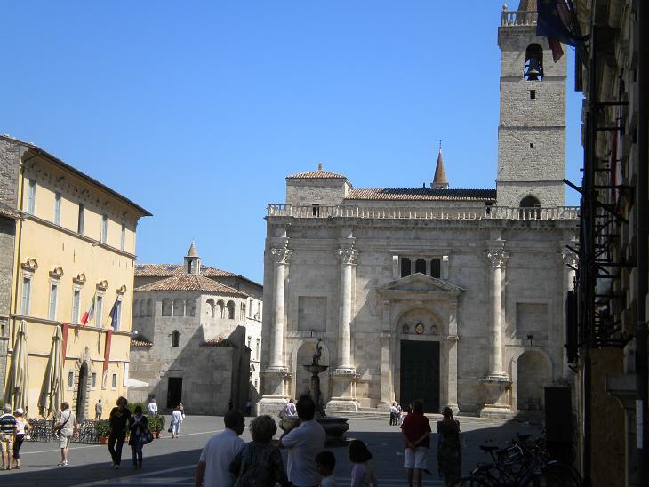 Ascoli Piceno - Il Duomo e il Battistero