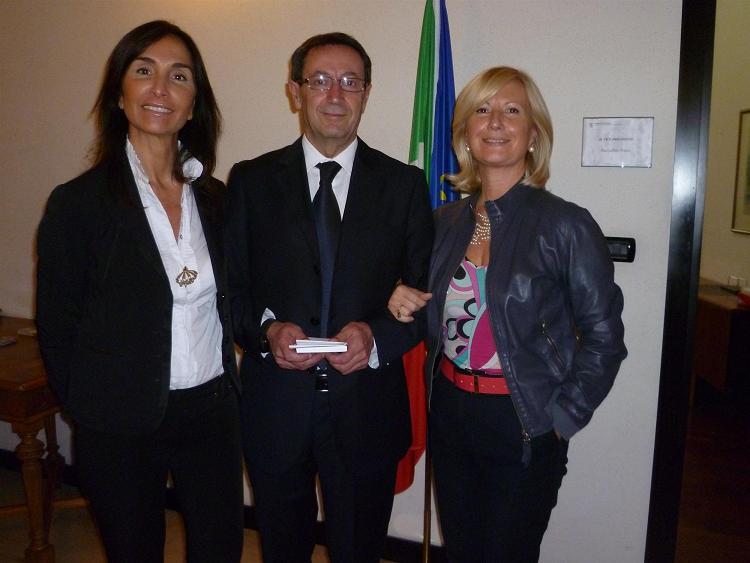 L'assessore Piunti con Maria Antonietta Lupi (a destra) e Donatella Ferretti