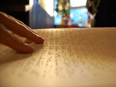 Un libro in braille