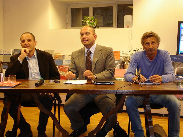 Il sindaco Castelli parladi rifiuti