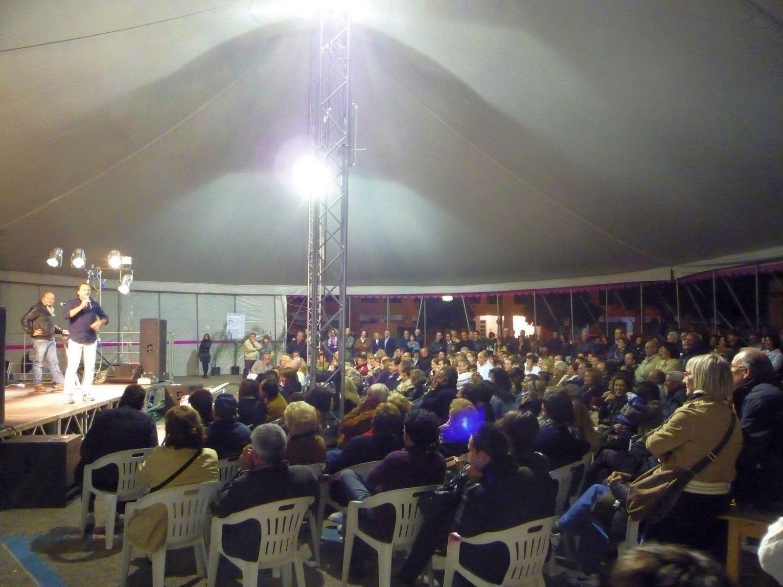 Il TeatroTenda, durante uno spettacolo