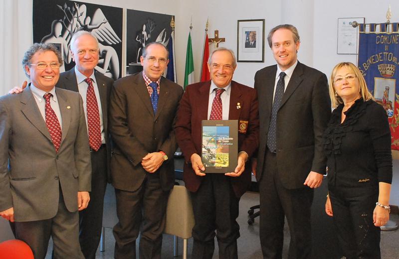 Il governatore del Rotary Mario Truzzi ricevuto in Comune da Di Francesco e Capriotti