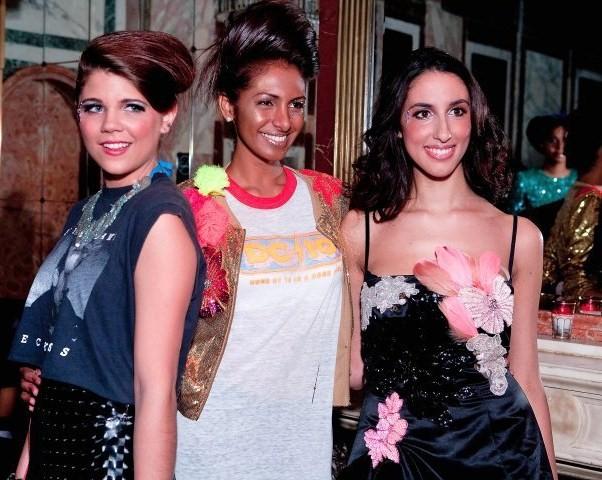 Vestiti di Pamela Quinzi (lei è la terza da sinistra)