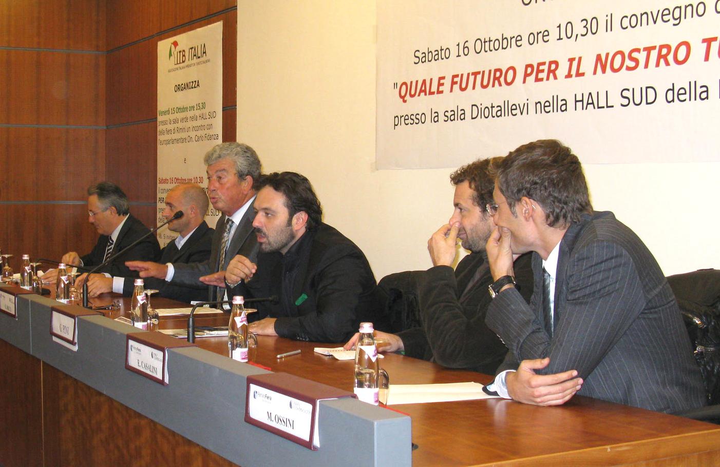 L'Itb al Sun di Rimini: da sinistra Ciccanti (Udc), Ricci, Pini (Lega), Casalini (gironalista Report), Ossini (giornalista L'altra metà del Geo)