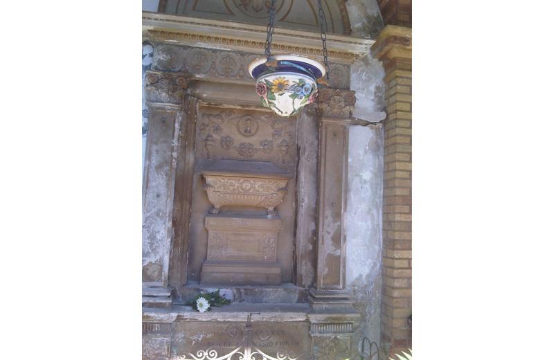 La tomba della famiglia Piacentini prima dei lavori