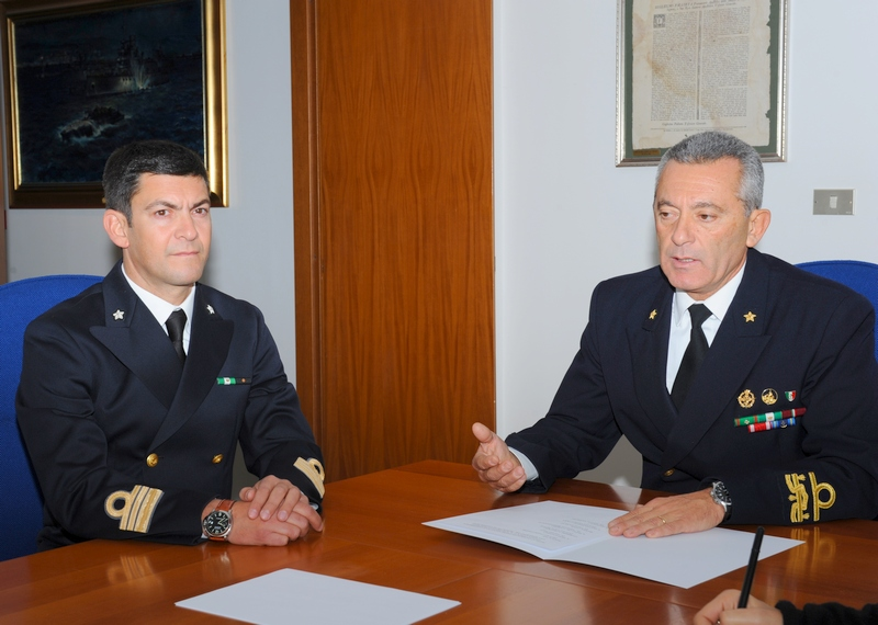 Capitaneria di porto: il Comandante Di Guardo con l'Ammiraglio Pettorino