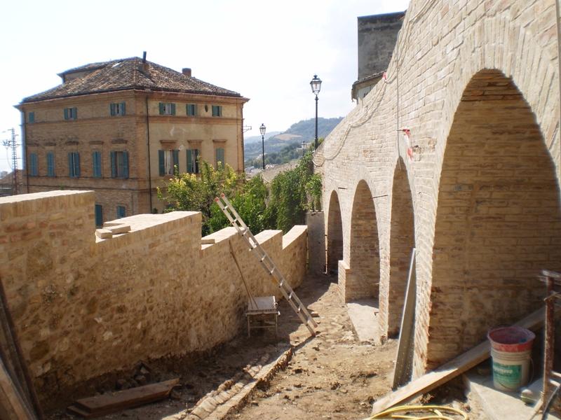 1 lavori sulla scalinata di via Sant'Agostino al Paese Alto