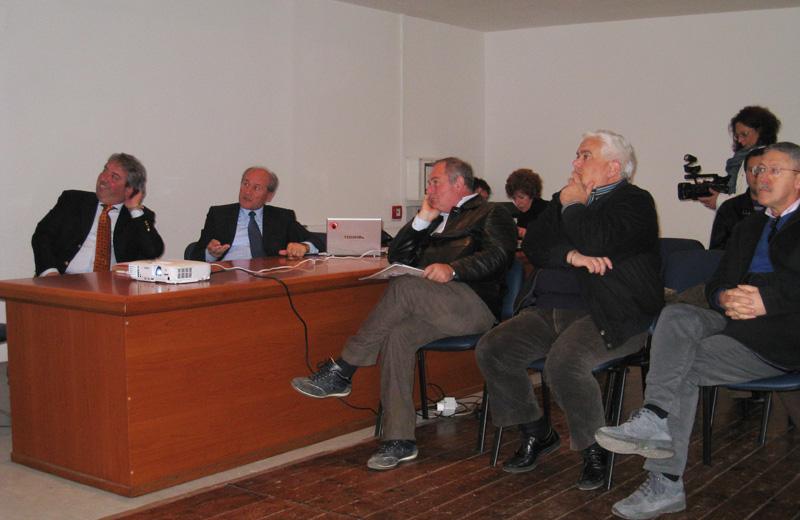 Renato Rasicci ed Elicio Romandini illustrano gli interventi sulla Provinciale 259