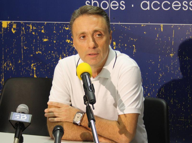 L'allenatore dell'Armani Jeans, Piero Bucchi