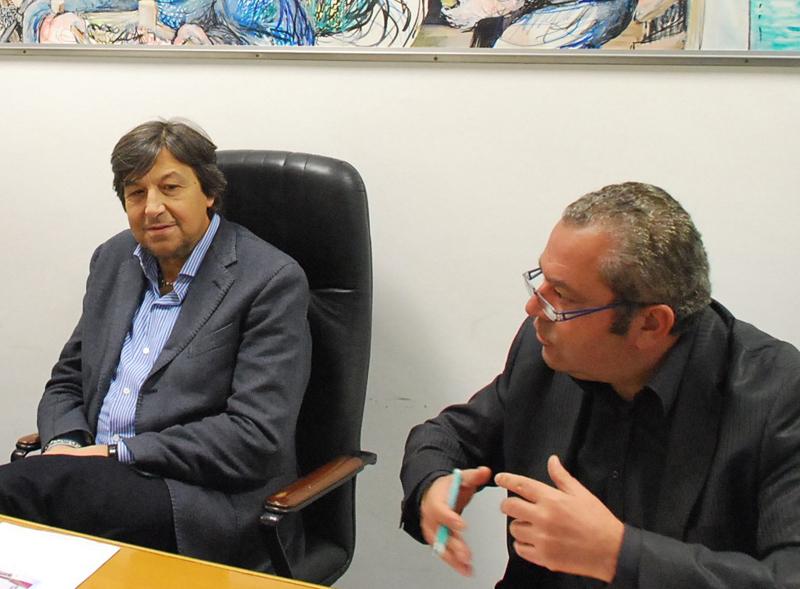 L'imprenditore Renato Ciarrocchi (a destra) con l'allora assessore al Turismo Domenico Mozzoni (foto d'archivio)