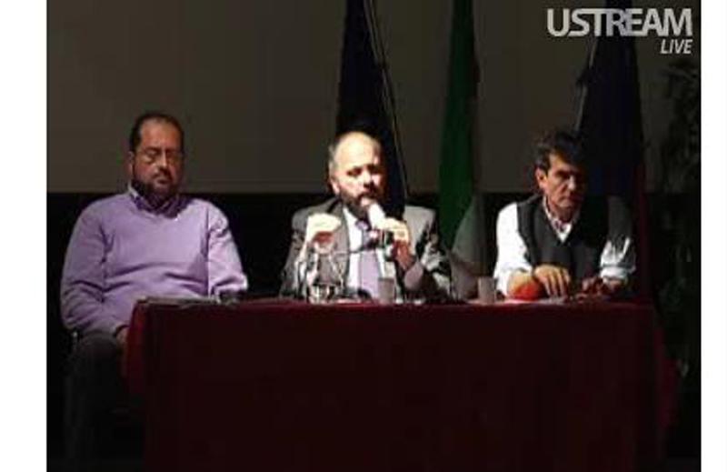 Il dirigente Polidori, il sindaco Gaspari e il giornalista del Corriere Adriatico Sgambetterra durante l'incontro sulla Megavariante