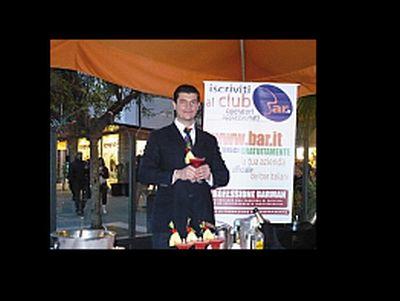 Renato Giammarini durante un concorso per barman (foto da scuole.bar.it)
