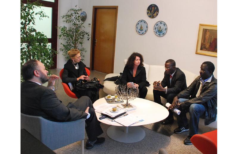 Incontro tra Gaspari e la delegazione senegalese