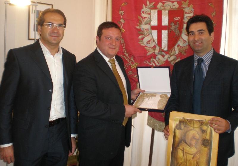 Da sinistra l'assessore Pacifico Malavolta, il sindaco di Spoleto Daniele Benedetti e il sindaco Stefano Stracci