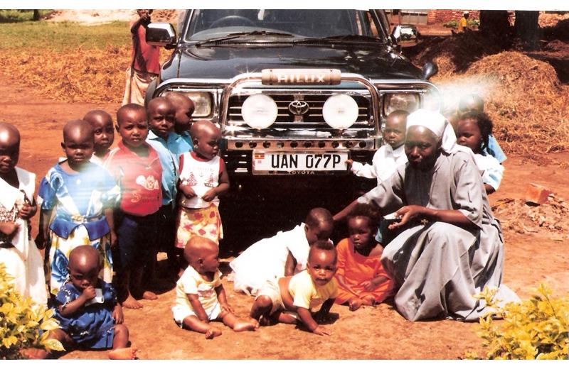Suora Matilda e gli orfani di Oima