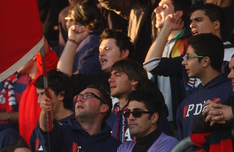 Tifosi rossoblu (foto Troiani)