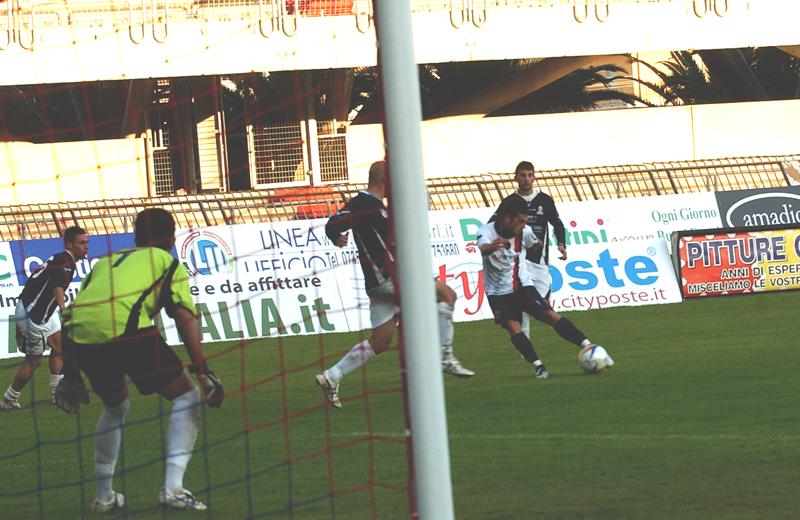 D'Angelo realizza la seconda rete nel 2-2 col Bojano (foto Troiani)