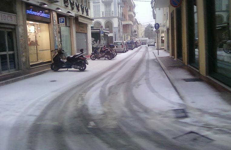 Neve centro di San Benedetto, 14 dicembre 2010, ore 15:30