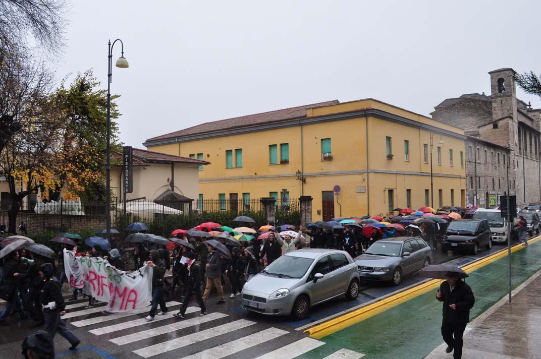 Gli studenti della Facoltà di Architettura protestano contro la Gelmini, 30 novembre