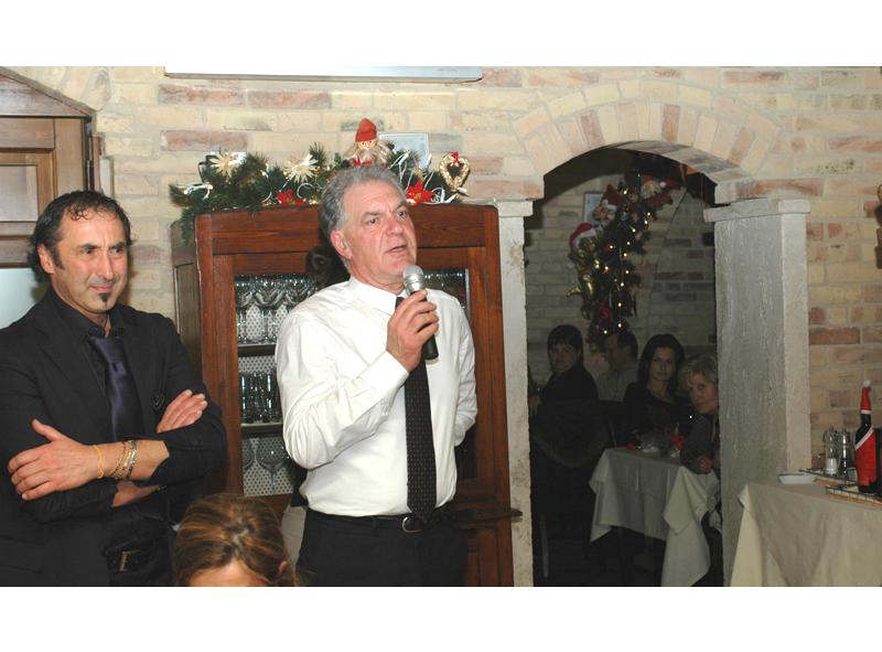 Elio Basili con il presidente della Provincia, Piero Celani