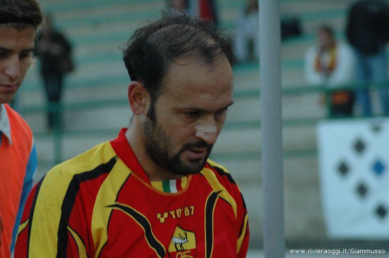 Fanesi con la maglia della Santegidiese stagione 2008-09 nella quale punì il Grottammare segnando al Pirani il gol partita