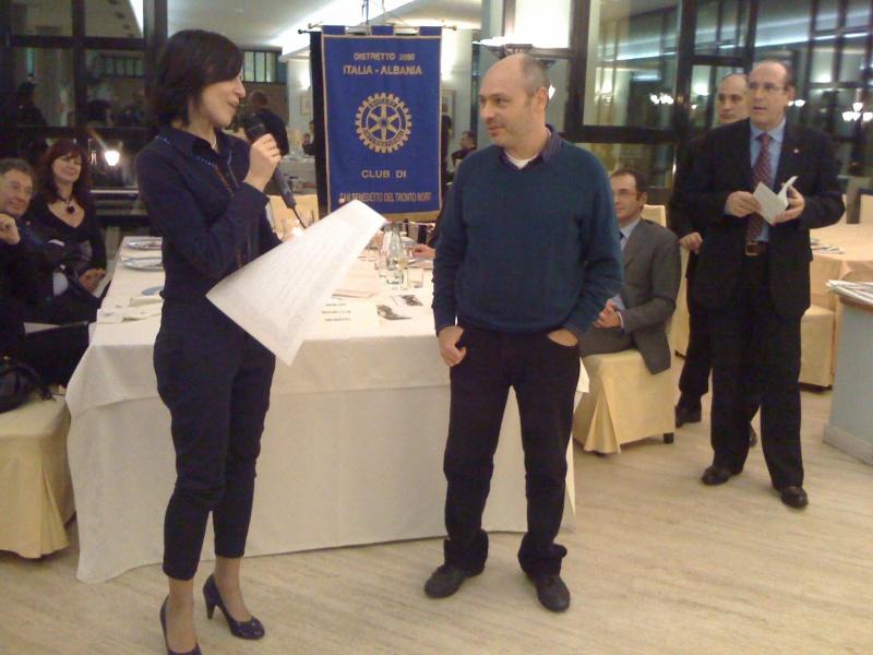 Premio Olivieri 2010. La finalista Daniela Coccia con Lucilio Santoni