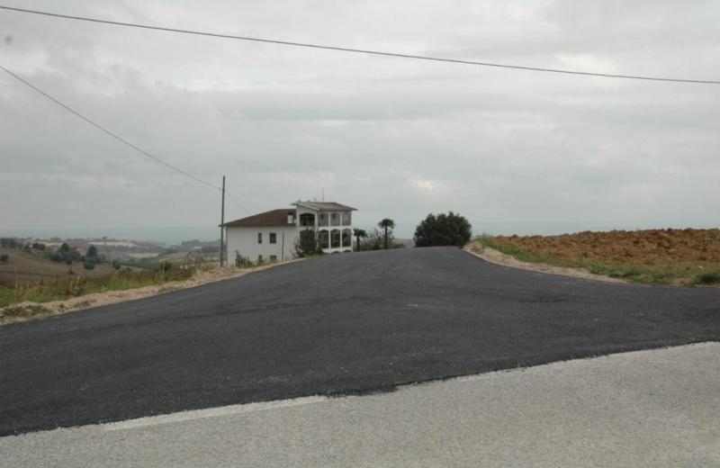 Massignano. Foto strada vicinale San Giacomo pavimentata a spese del comune