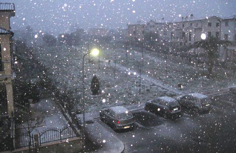 14 dicembre 2010, neve su Alba Adriatica