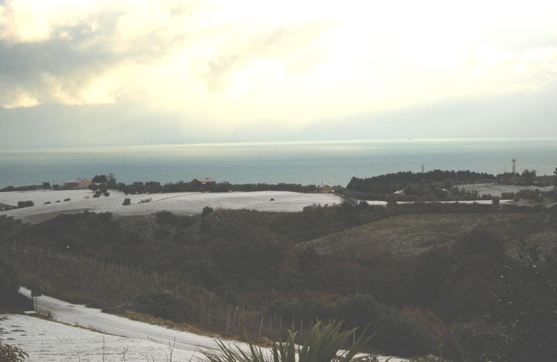 15 dicembre: colline imbiancate tra Cupra e Grottammare