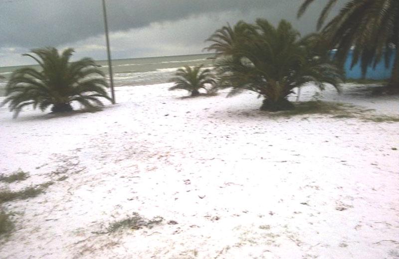 14 dicembre 2010, neve sulla spiaggia di San Benedetto
