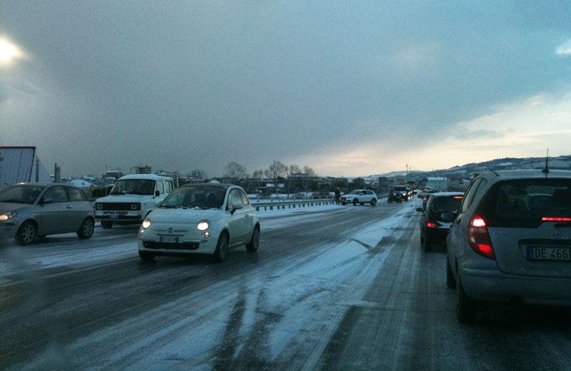 Neve su San Benedetto, 16 dicembre 2010: problemi sulla Sopraelevata