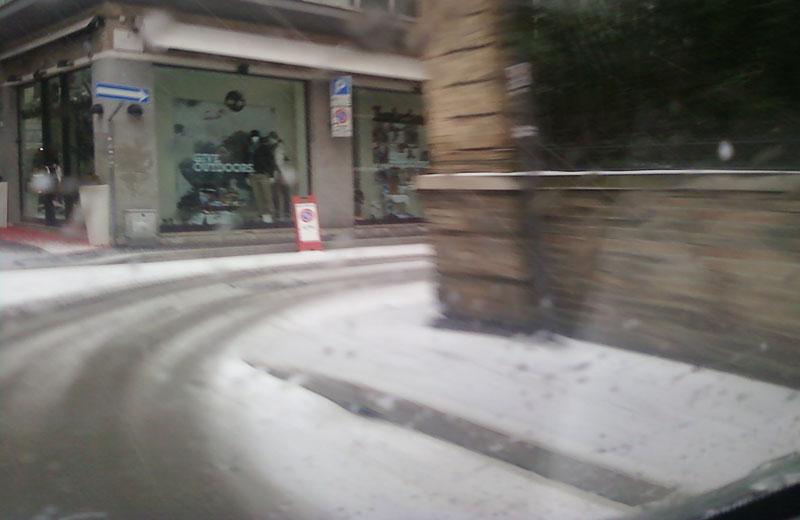 Neve al centro di San Benedetto, 14 dicembre 2010, ore 15:30