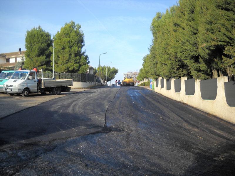 Nuovi asfalti alla Petrella