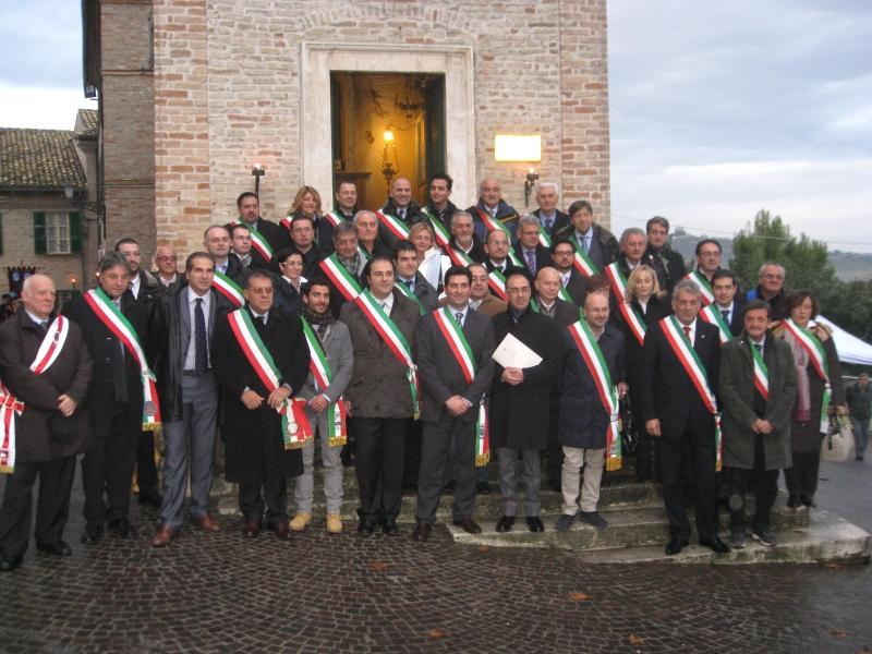 I sindaci della Rete delle Città di San Giacomo davanti alla Casa Natale del santo
