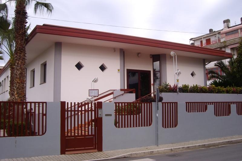 La sede dei Testimoni di Geova a Centobuchi