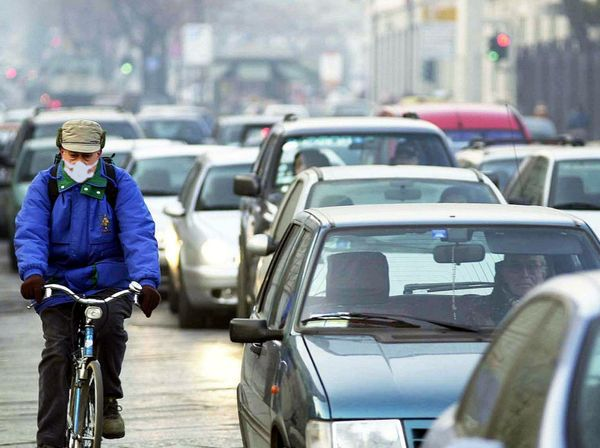 Allarme smog, guerra alle vetture a diesel